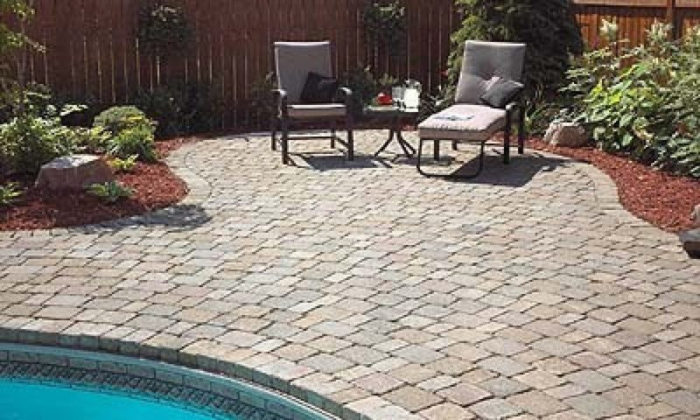 cobblestone and pool in backyard2
